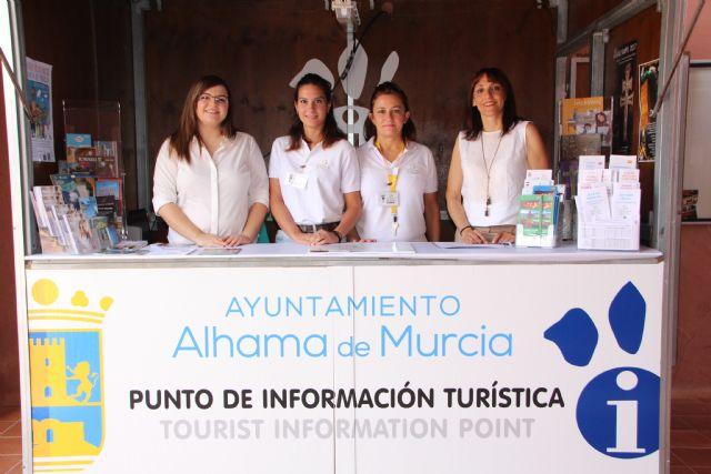El punto de información turística de Condado atiende en julio a más de 2.000 personas, Foto 1