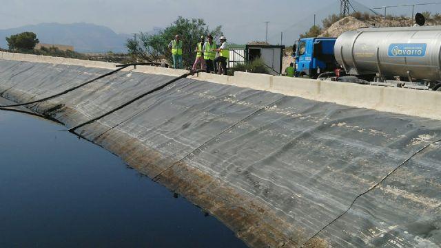 Arrancan los trabajos para eliminar uno de los depósitos de almacenamiento de lixiviados del vertedero de Abanilla - 1, Foto 1