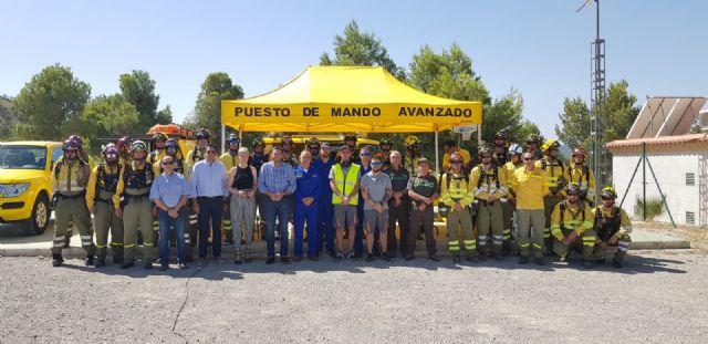 El consejero de Medio Ambiente visita las brigadas forestales de la Sierra de la Pila - 2, Foto 2