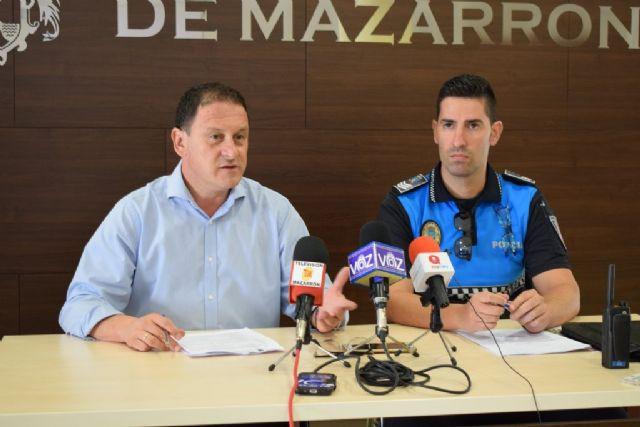 La Policía Local se vuelca con la seguridad en Mazarrón, Foto 1