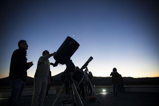 Más de 800 personas han contemplado las estrellas este verano en el Observatorio Astronómico Cabezo de la Jara - 1, Foto 1