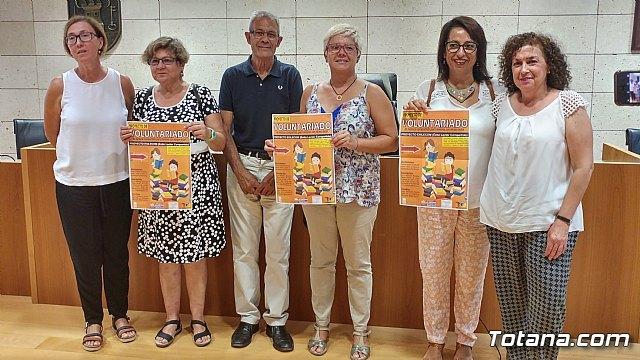 La Biblioteca Municipal Mateo García promueve un proyecto pionero de voluntariado de lectura compartida para menores con retraso lector, Foto 1