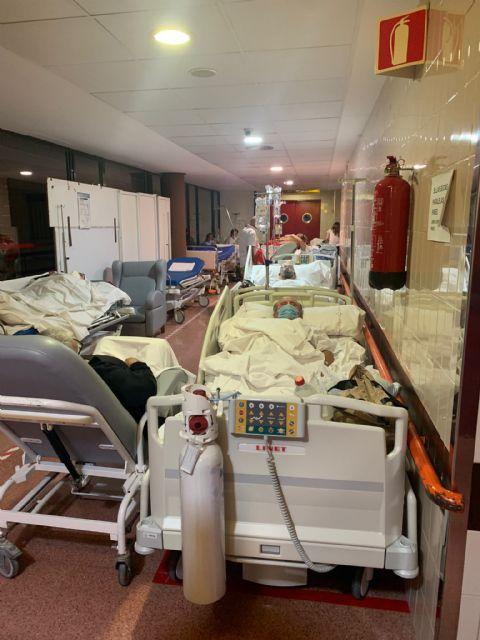 IU-Verdes denuncia que pacientes del Rafael Méndez llevan tres días en un pasillo esperando a ingresar en planta - 1, Foto 1