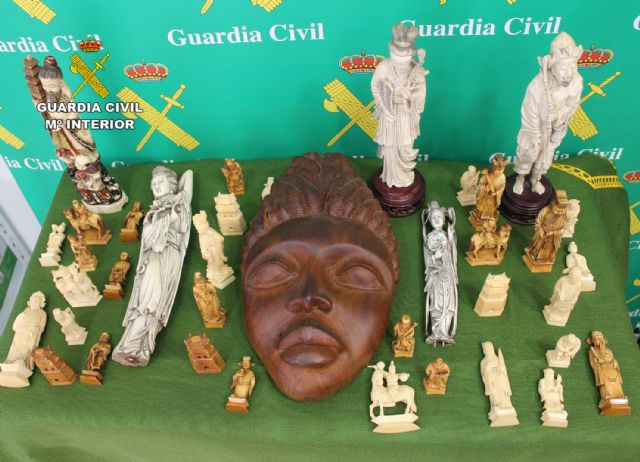 La Guardia Civil interviene varias piezas de marfil y ébano en Torre Pacheco - 1, Foto 1
