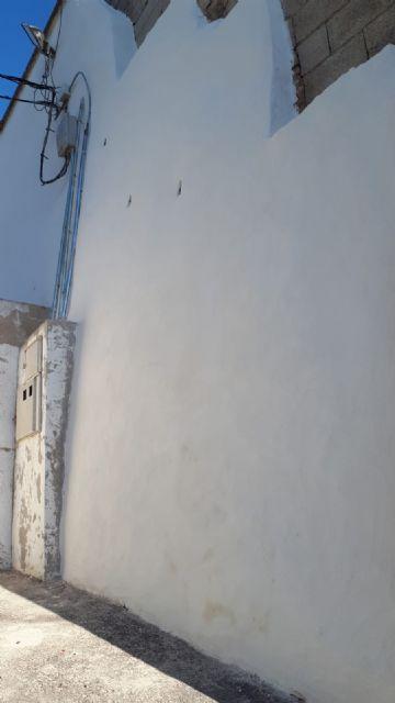 El Ayuntamiento de Pliego ha reconstruido el muro del campo de fútbol - 1, Foto 1