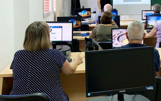 Nueva edición de los cursos gratuitos para mayores sobre nuevas tecnologías - 1, Foto 1