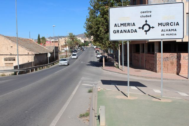 They study regulating traffic by traffic signaling in the urban section of Mazarrón Avenue, Foto 4