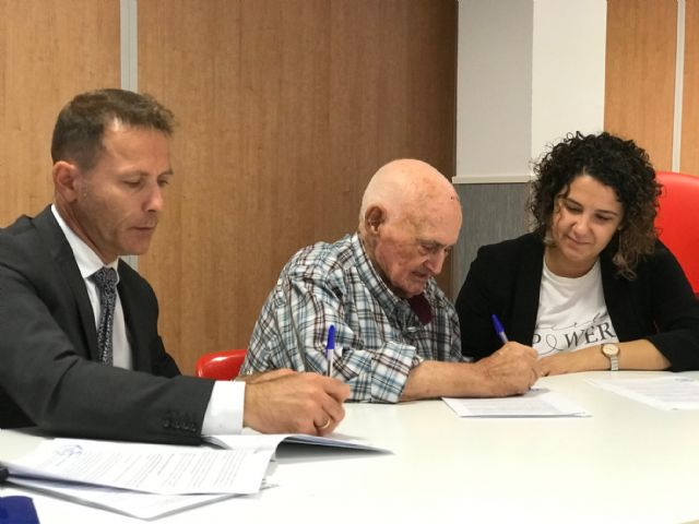 El Ayuntamiento firma un Convenio de Colaboración con el Club de Pensionistas y Jubilados Virgen de la Consolación de El Jimenado - 1, Foto 1