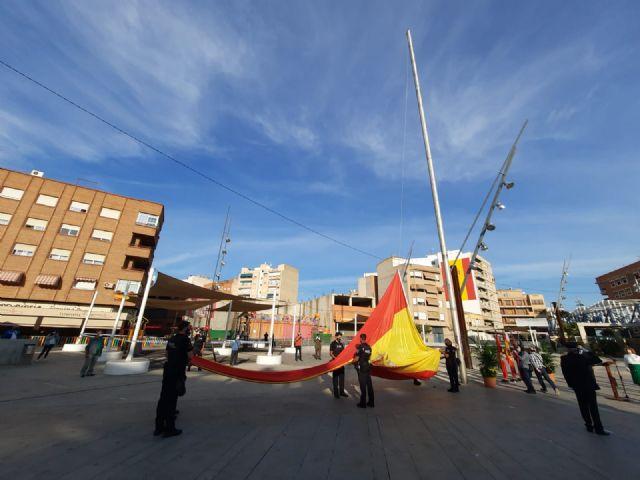 Alcantarilla rinde un sencillo homenaje a la Bandera de España - 3, Foto 3
