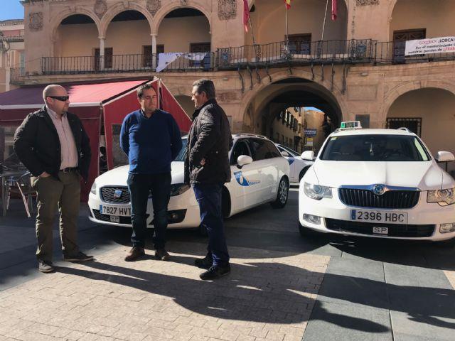 Lorca se dota de su primera Ordenanza Reguladora del Servicio de Taxi para mejorar la relación entre el profesional y el usuario del servicio - 1, Foto 1