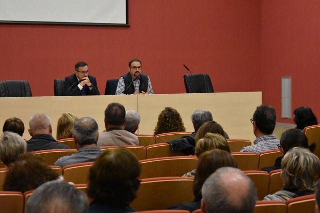 El Delegado del Gobierno entrega a los afectados el informe de Abogacía de Estado - 2, Foto 2