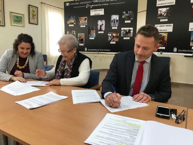 El Ayuntamiento de Torre Pacheco firma un Convenio de Colaboración con la Asociación Local de Pensionistas de Balsicas - 1, Foto 1