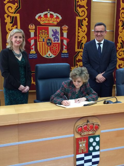 El Ayuntamiento de Molina de Segura recibe la visita de la Ministra de Sanidad, Consumo y Bienestar Social - 1, Foto 1