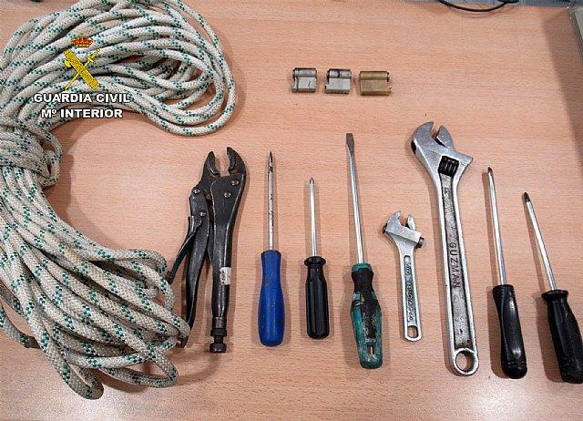 La Guardia Civil esclarece una quincena de robos en comercios de Jumilla - 2, Foto 2