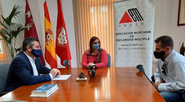 El Ayuntamiento de Alcantarilla colabora con Amdem en la búsqueda de fondos para financiar un exoesqueleto - 1, Foto 1