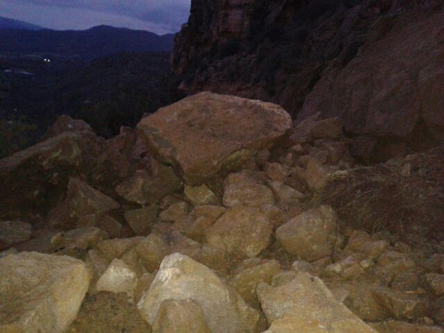 Cerrada la senda de El Cenajo a causa de los desprendimientos, Foto 3