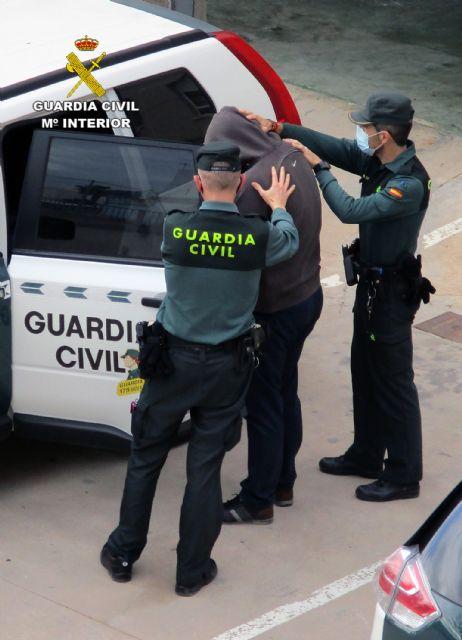 La Guardia Civil detiene a un experimentado delincuente relacionado con  una veintena de estafas en el Levante español - 1, Foto 1