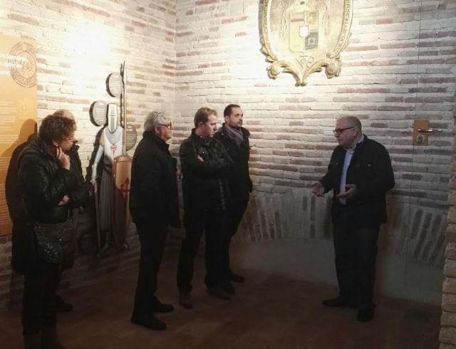 El Ayuntamiento concede una subvención de 14.000 euros a la parroquia de Santiago para colaborar en el proyecto de musealización de la Torre de la Iglesia, Foto 8