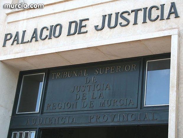 El Colegio de Abogados de Murcia expresa su más firme oposición a la comarcalización del Juzgado de Violencia sobre la Mujer, Foto 1