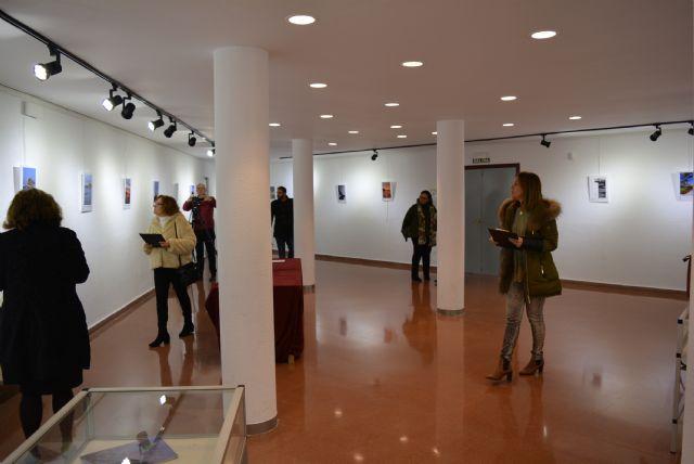 La Sala de Exposiciones Manuel Coronado de la Casa de Cultura acogía ayer la inauguración de la exposición de fotografías participantes en el Concurso Portada Anuario 2018 - 2, Foto 2
