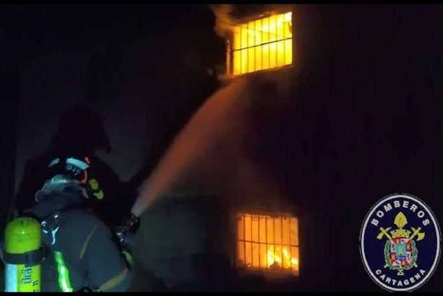 Sofocado el incendio de una casa de campo en la carretera de Pozo Estrecho al Albujón - 1, Foto 1