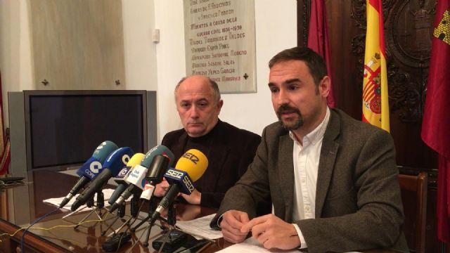 PSOE y Cs Lorca denuncian que el concejal de Limusa esté poniendo en peligro la contratación de los nuevos camiones para la recogida de basura - 1, Foto 1