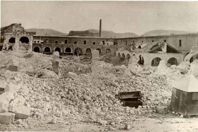 Homenaje a las víctimas de la explosión del Parque de Artillería durante el Cantón - 1, Foto 1