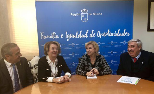 La consejera de Familia e Igualdad de Oportunidades se reúne con la asociación Voades - 1, Foto 1