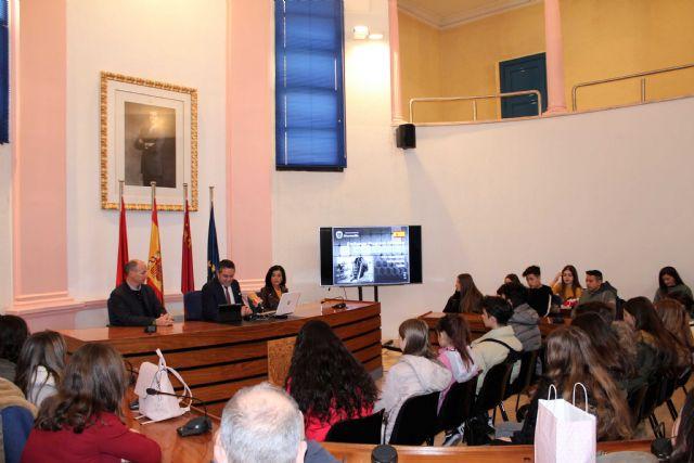 El alcalde recibe a las representaciones de ocho centros, de diferentes países, dentro de uno de los programas Erasmus - 1, Foto 1