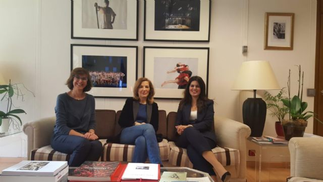Reunión de la consejera de Turismo y Cultura y la directora del Instituto Nacional de las Artes Escénicas y de la Música - 1, Foto 1