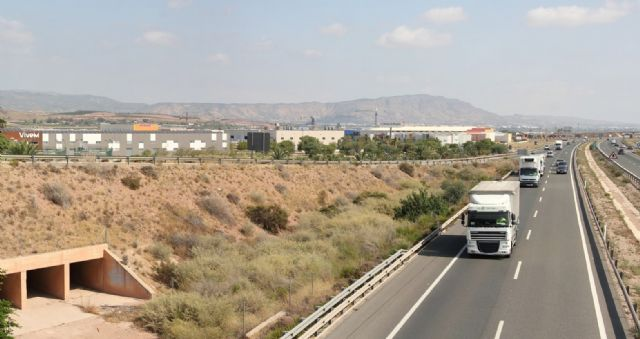 The City Council urges the Ministry of Development that the third lane that is planned to run on the A7 motorway, continue to Puerto Lumbreras and not end in Alhama de Murcia