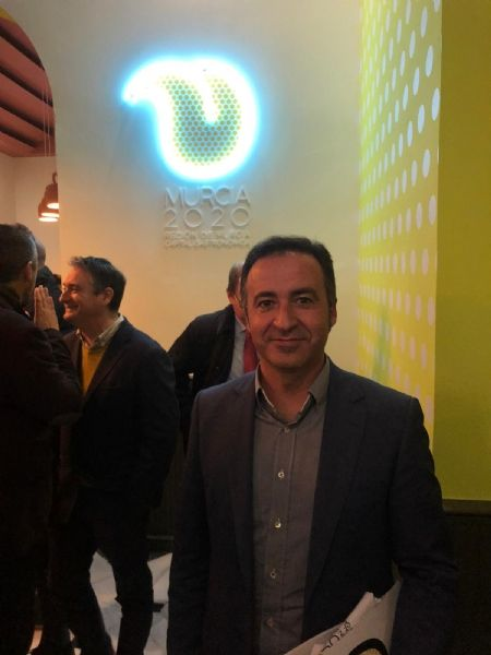 """The mayor of Totana and the Councilor for Tourism attend the presentation of the project """"Murcia 2020, Spanish capital of Gastronomy"""" at the Romea Theater, Foto 8"""