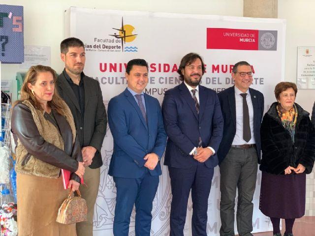 Motas visita la Facultad de Ciencias del Deporte de la Universidad de Murcia en San Javier - 1, Foto 1