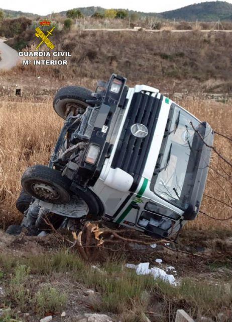 La Guardia Civil investiga al conductor de una hormigonera por quintuplicara la tasa de alcoholemia - 2, Foto 2