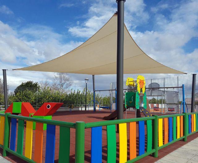 Parques y Jardines trabaja para que las áreas de juegos infantiles de barrios y pedanías tengan sombra - 2, Foto 2