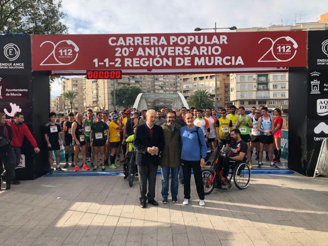 La carrera solidaria conmemorativa del 20 aniversario del 1-1-2 congrega a medio millar de participantes, Foto 1