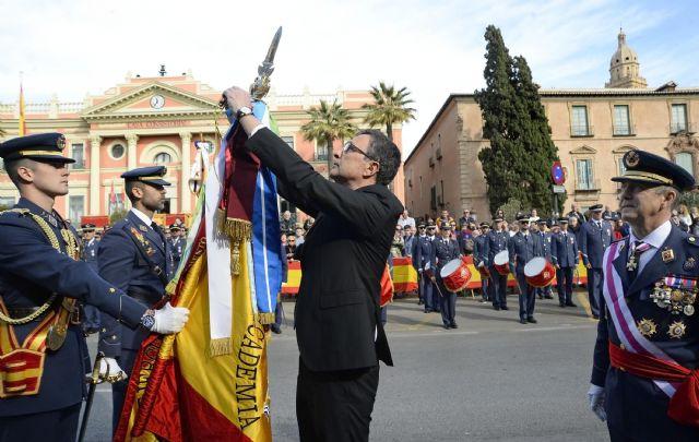 350 vecinos de Murcia demuestran su fidelidad a España en la Jura de Bandera - 2, Foto 2