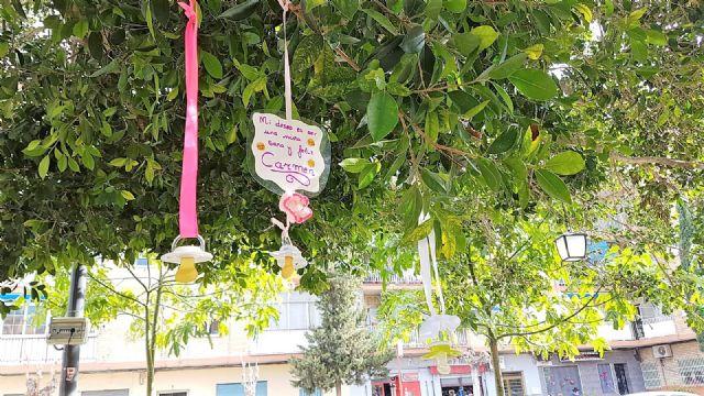 Alcantarilla cuenta desde hoy con su Árbol de los Chupetes - 5, Foto 5