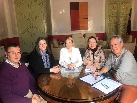 La alcaldesa de Cehegín se reúne con el Equipo Directivo de la Escuela Oficial de Idiomas - 1, Foto 1