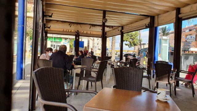 Las terrazas de los bares y restaurantes de Alcantarilla podrán ampliar el espacio que ocupan hasta el 31 de marzo - 1, Foto 1
