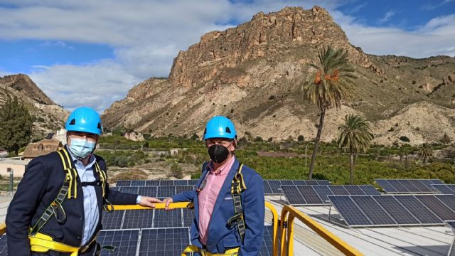 Inaugurada una instalación solar en la cubierta del pabellón de Ojós - 2, Foto 2