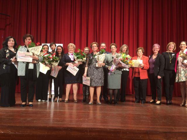 Totana celebra el acto institucional con motivo del Día de la Mujer homenajeando a diez mujeres sugeridas por las asociaciones y a las concejalas de la democracia - 4, Foto 4