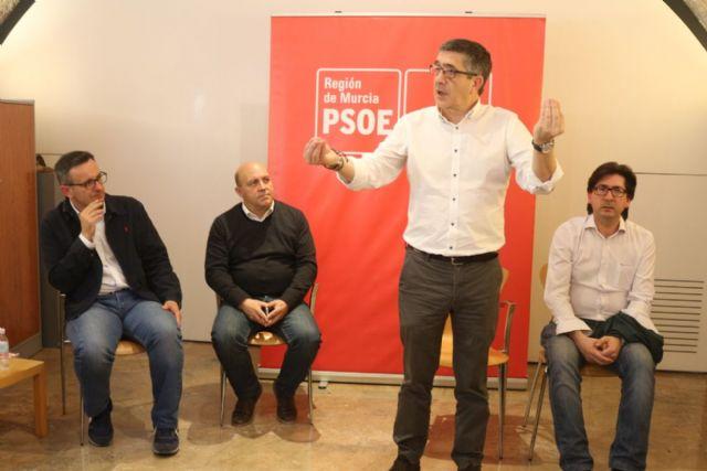 Patxi López: El PSOE es el único partido que ha puesto encima de la mesa un documento para trabajar por el Pacto Nacional del Agua - 2, Foto 2
