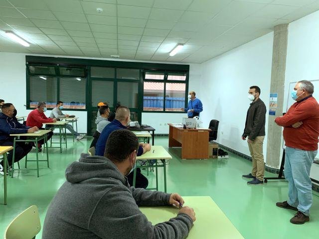 Da comienzo el curso de Patrón Costero Polivalente, tan demandado por el sector pesquero aguileño - 2, Foto 2