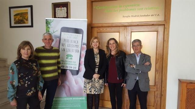 Familia subvenciona con 27.000 euros el Teléfono de La Esperanza, que recibió 7.541 llamadas el pasado año - 1, Foto 1