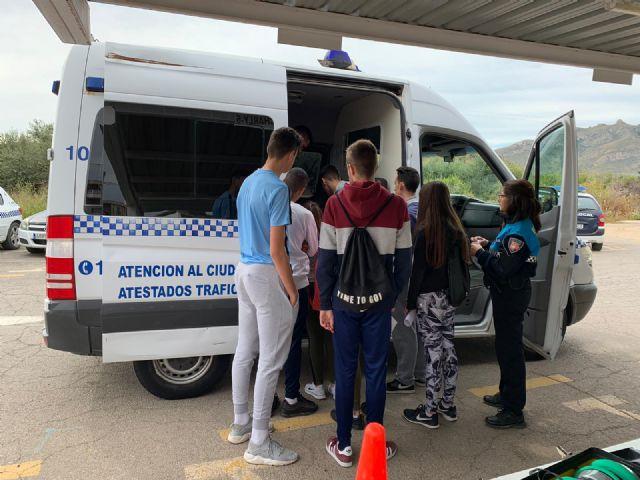 La Policía Local ofrece una charla informativa a los alumnos del IES Domingo Valdivieso, Foto 4