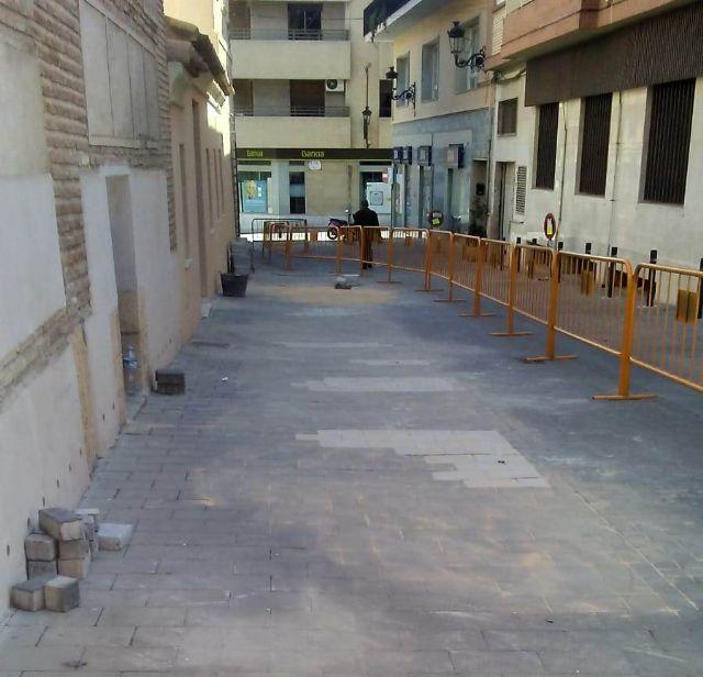 Reparan en las últimas semanas más de 800 metros cuadrados de adoquín en numerosas calles del centro urbano