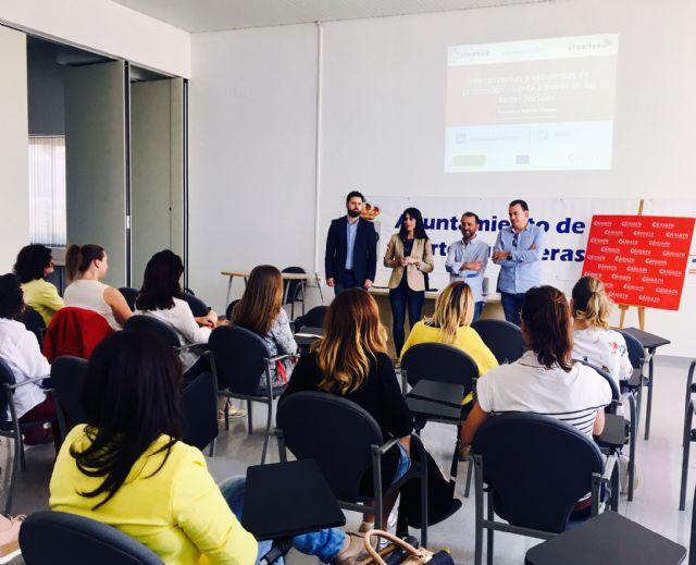 Más de medio centenar de personas aprenden nuevas estrategias de venta a través de redes sociales en Puerto Lumbreras - 1, Foto 1
