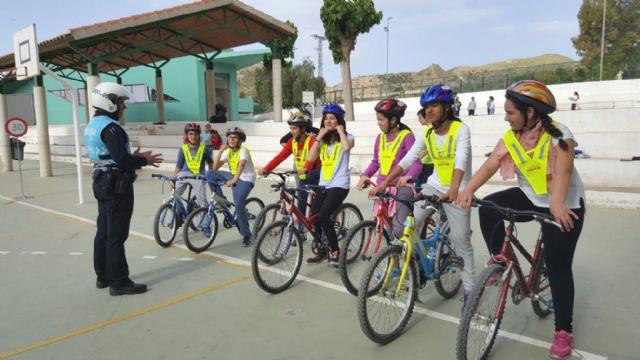 Los niños de Puerto Lumbreras aprenden normas de circulación para prevenir accidentes - 1, Foto 1