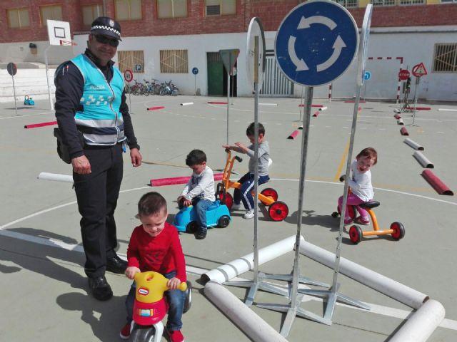 Los niños de Puerto Lumbreras aprenden normas de circulación para prevenir accidentes - 2, Foto 2